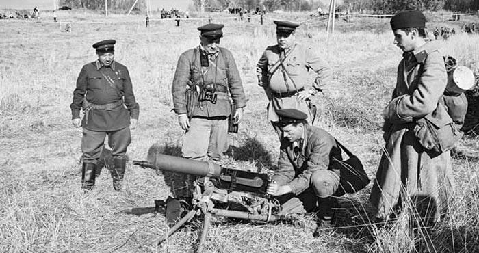Il mito della raffica durante la Grande Guerra Patriottica