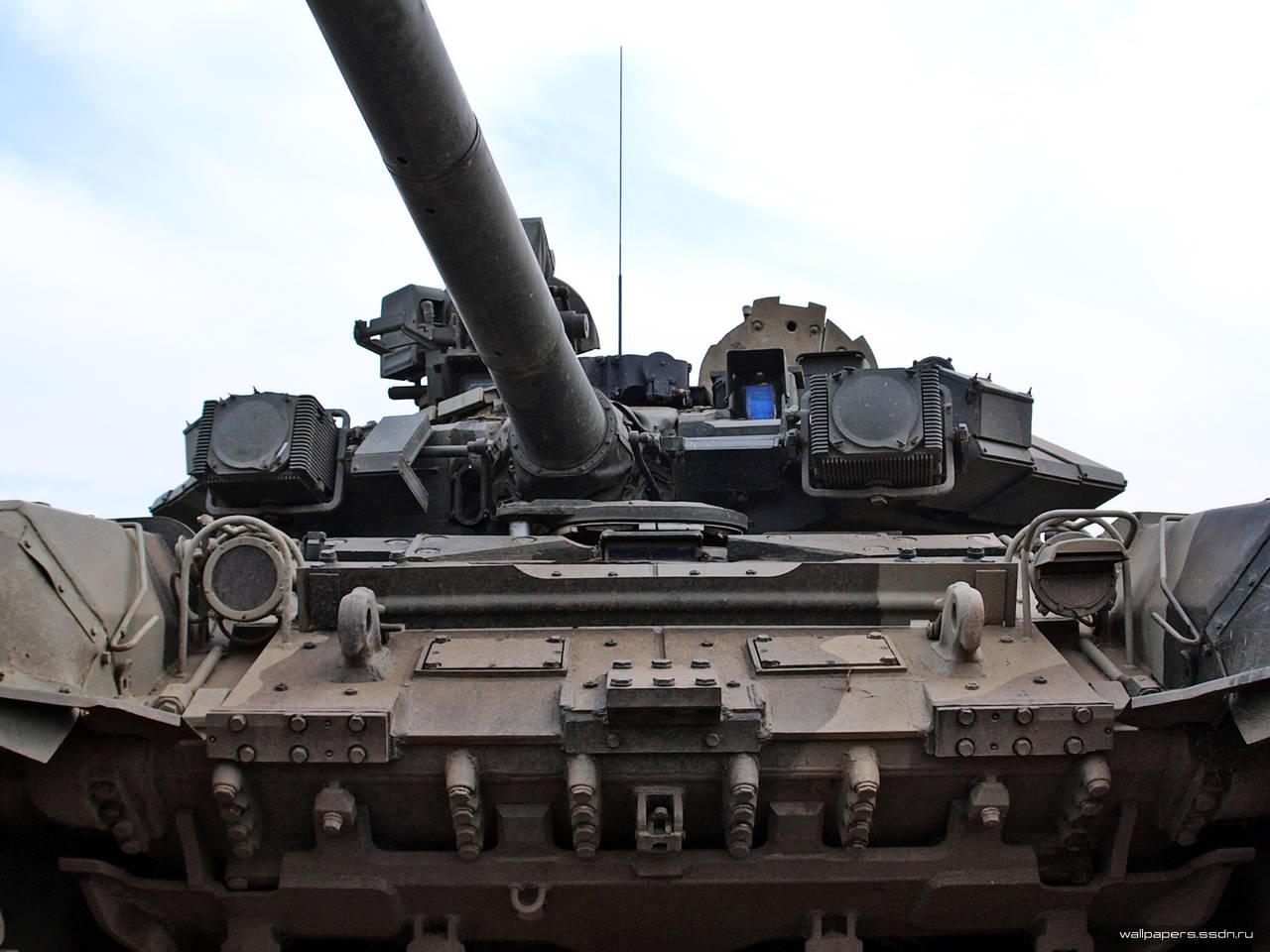 На вооружение новый танк армада