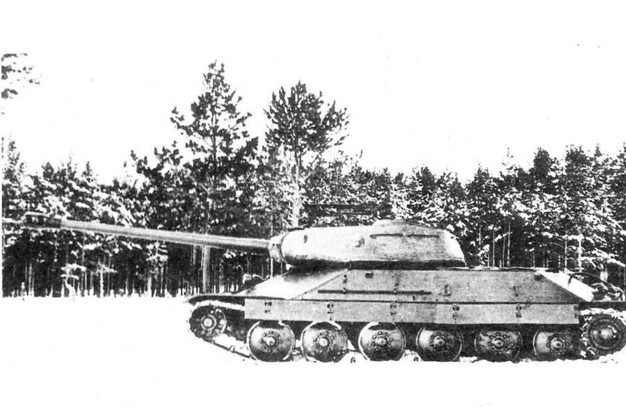 ИС-6 - опытный тяжелый советский танк времен второй мировой войны.