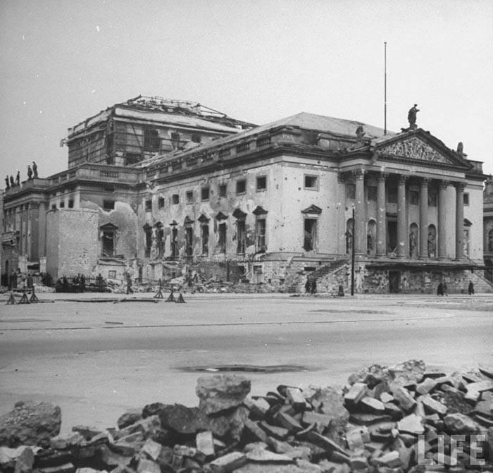 Поверженный Берлин летом 1945-го: снимки из архива Life