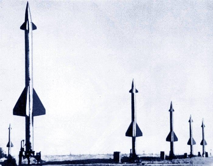 """1つのC-1000サルボ( """"BERKUT"""")内の25ターゲット(SA-1ギルド)"""
