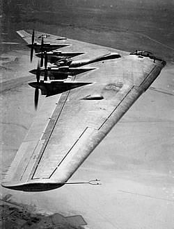 Новый беспилотный аппарат X-47B для палубной авиации ВМС США