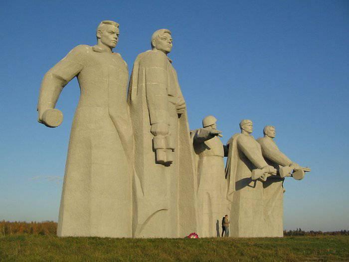 На постсоветском пространстве переписывают историю Великой Отечественной войны