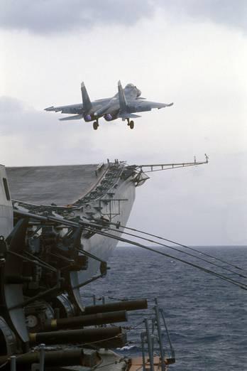 Rusya'da bir atomik uçak gemisi inşa etme olasılığı üzerine PLA Deniz Kuvvetleri Arka Amiri