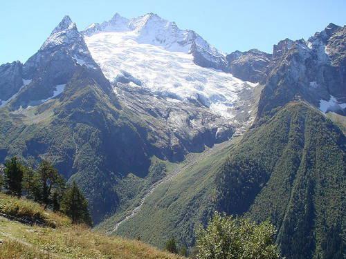 ...Кавказ - прекрасен.  Порой, смертельной красотой.