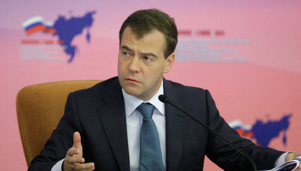 What nationalism is Medvedev going to fight with?