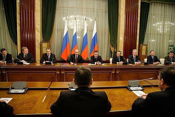 种族灭绝:俄罗斯政府在经济上完成了俄罗斯人