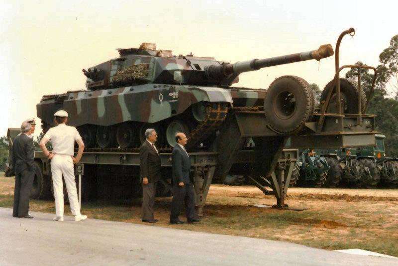 """탱크 EE-T1 및 EE-T2 """"Osorio""""(브라질)"""