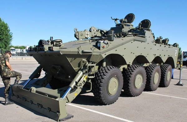 新的BREM Centauro VCREC为西班牙军队