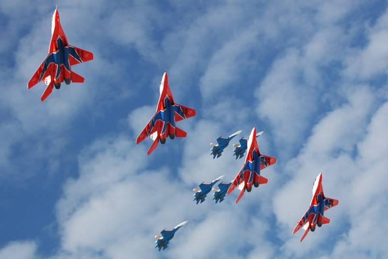 """Swifts""와 ""Russian Knights""는 군대를 떠날 준비가되어있다."