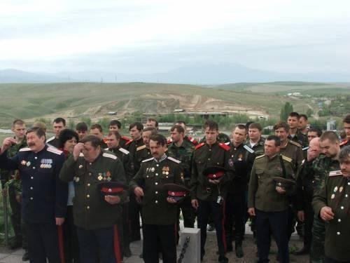 """阿尔泰·哥萨克宣誓效忠于""""统一俄罗斯"""",希望能够获得预算资金"""