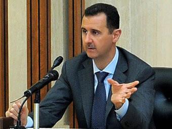 Esad ülkeyi teslim etmeyi reddediyor ve Batı onu istifaya çağırıyor