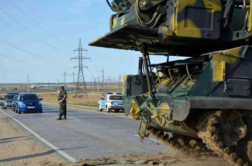 Ukrayna'nın her yerinden birlikler Kırım'da toplandı