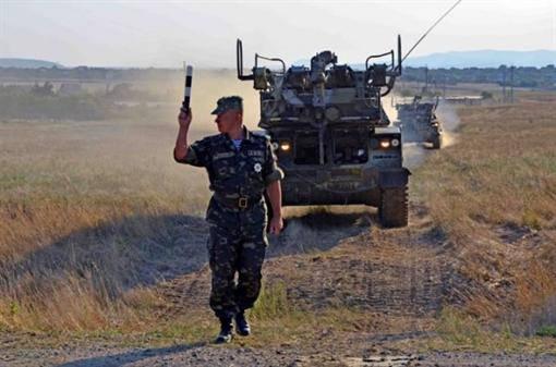 В Крым съезжаются войска со всей Украины