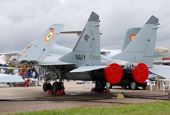 """L'escadron """"Black Panther"""" achèvera l'adoption du MiG-29K / KUB d'ici au milieu de l'année 2012"""