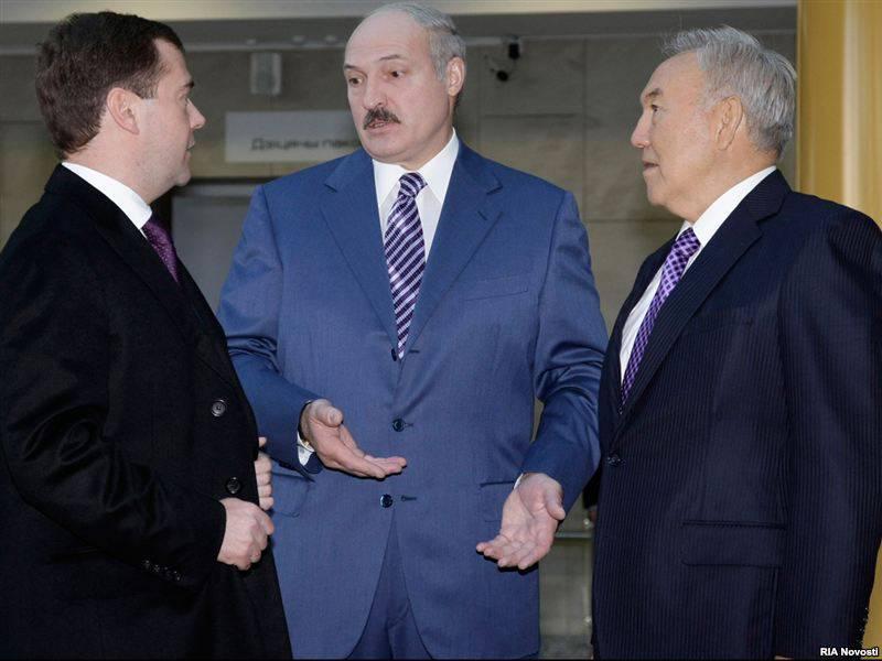 纳扎尔巴耶夫被要求退出关税同盟。 随着哈萨克斯坦的价格上涨,社会紧张局势也在加剧