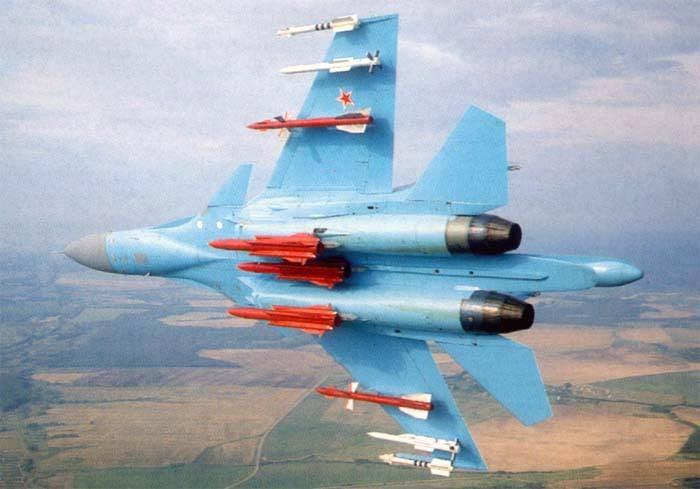 Бомбардировщик Су-34 решили принять на вооружение.
