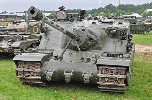 Tanque pesado experiente A39 TORTOISE (UK)