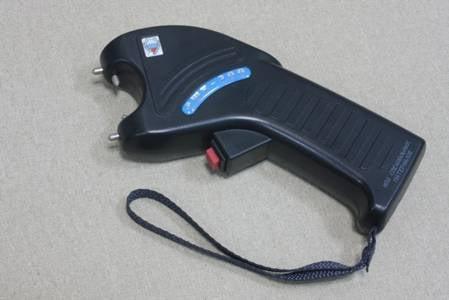 Электрошокер: средство самозащиты или бесполезный сувенир?