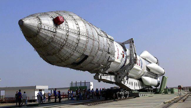 4十月。 太空军日
