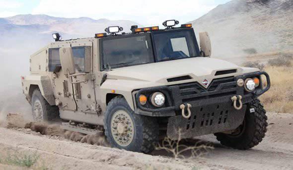 """Light tactical car """"Saratoga"""" Navistar"""
