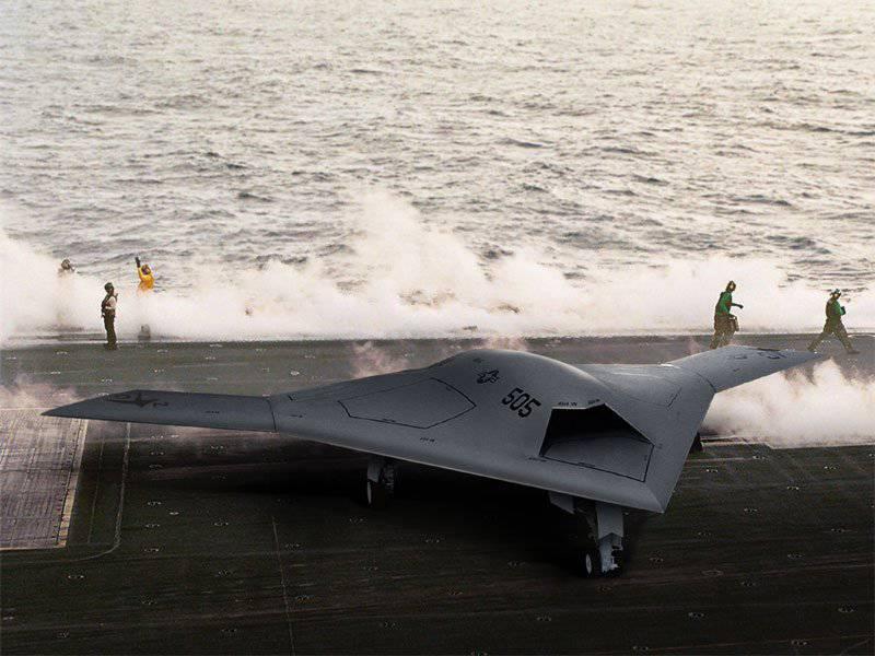"""类似于UFO""""X-47B""""通过了第一次测试"""