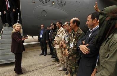 Libye: visite de Clinton, perspectives de guerre, craintes du SNP