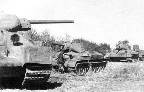 斯大林有多少辆坦克?