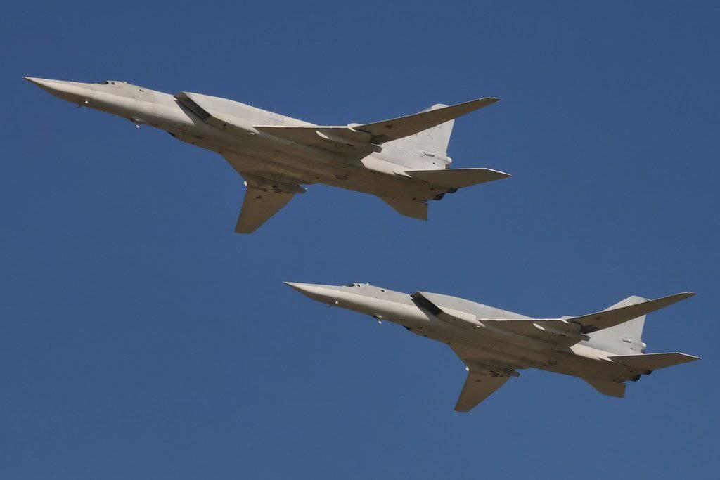 Российские военные самолеты вновь