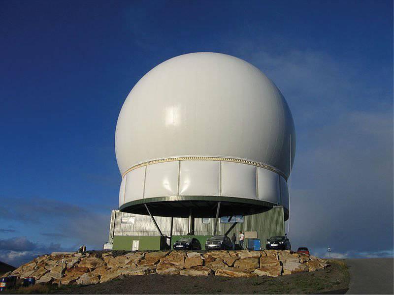 노르웨이는 러시아의 영토를 감시하기 위해 미사일 방어에 관여한다.