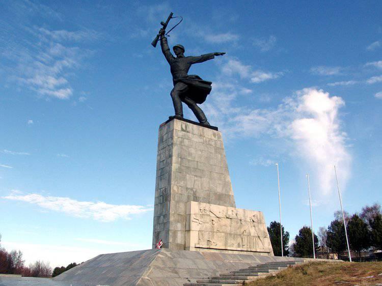 http://topwar.ru/uploads/posts/2011-11/1322602364_11.jpg