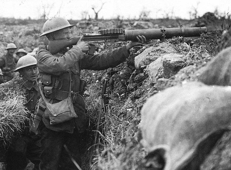 the weapons of world war 2 List of world war ii weapons jump to navigation jump to search world war ii saw rapid  list of world war 2 weapons of the japanese.
