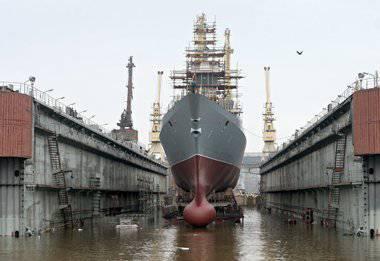 우리는 함대를 소생시키기 위해 사로 잡혀야합니다.