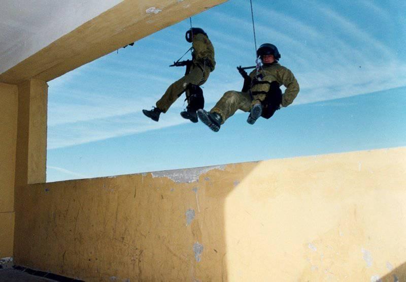 http://topwar.ru/uploads/posts/2011-12/1323548687_44514052.jpg