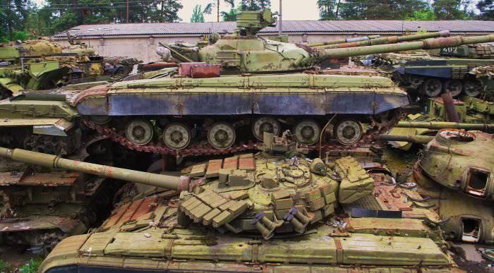 Снайпер 93-й мехбригады Александр Мамалуй показал захваченный у террористов танк Т-64А - Цензор.НЕТ 6468