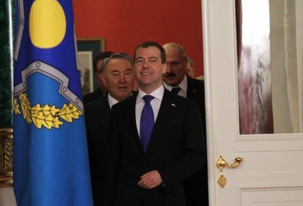 http://topwar.ru/uploads/posts/2011-12/1324503585_gall_img.jpeg