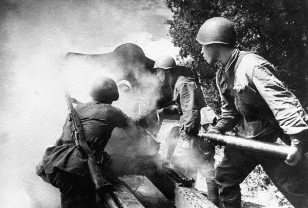 """""""Outubro Negro"""" 1941: A derrota da Frente de Bryansk e a """"caldeira"""" de Vyazemsky"""
