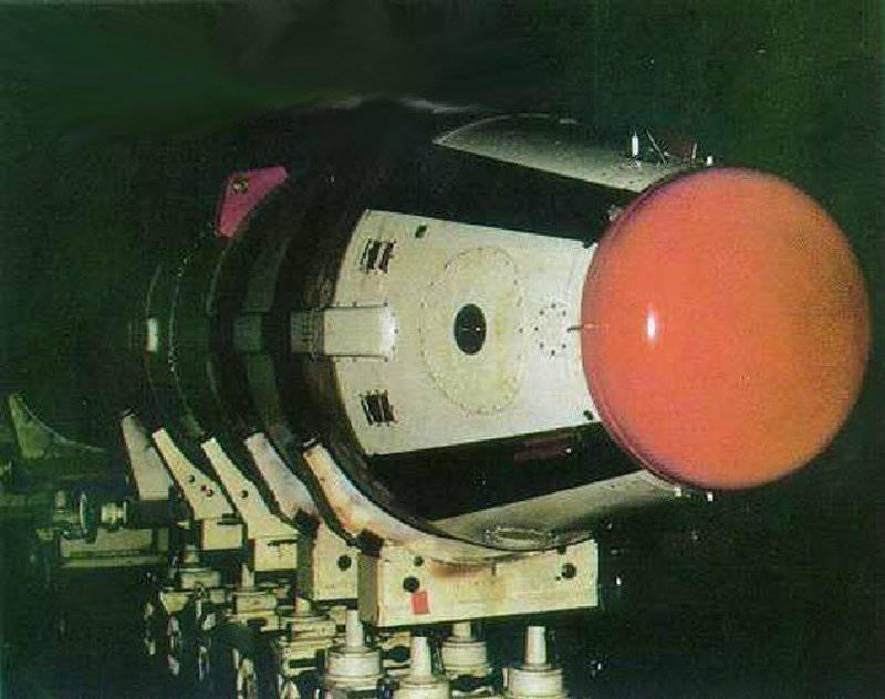 China - testes do míssil balístico Juylan-2