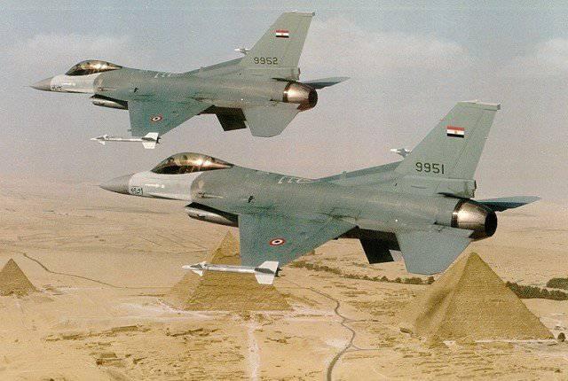 En Egipto, las maniobras militares de Nasser-6.