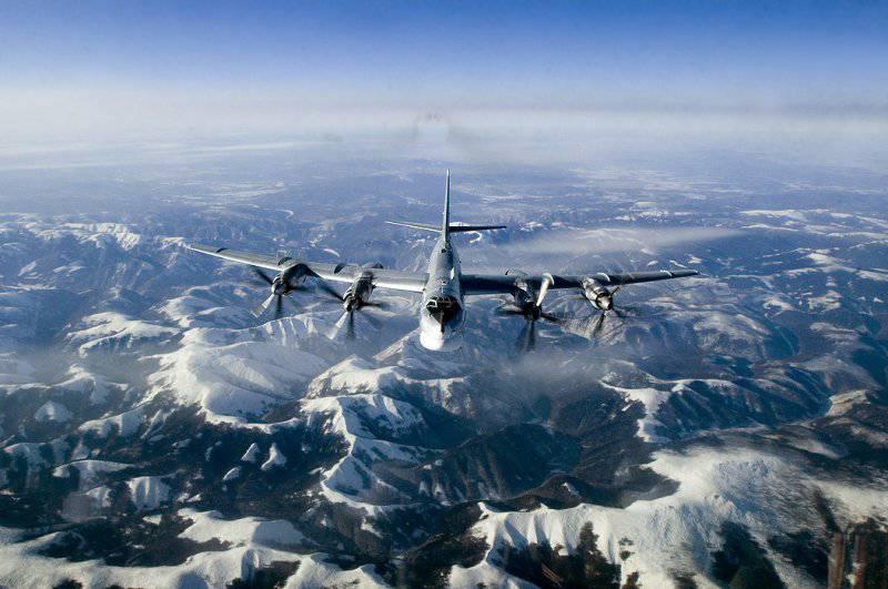 Стратегические ракетоносцы РФ, выполняют в удаленные районы 50 полетов