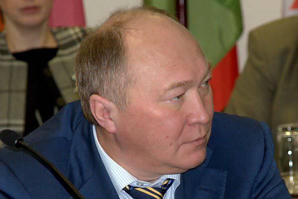 """Irkut""의 사장은 세계 시장에있는 Yak-130의 긍정적 인 전망을 러시아 공군과 함께 운항되는 항공기의 흐름과 연결합니다"