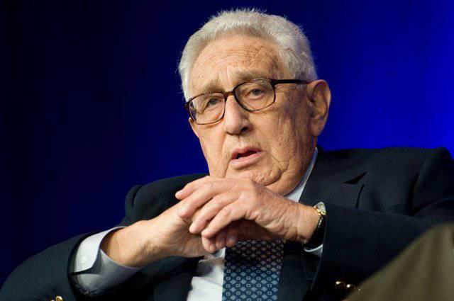 """G. Kissinger: """"Yedi ülkeyi fethetmemiz gerekiyor"""""""