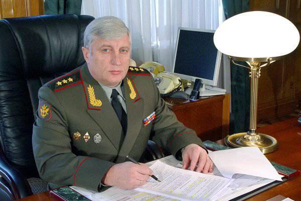 जमीनी बलों के कमांडर-इन-चीफ ने 2012 में सैनिकों द्वारा उपकरण की प्राप्ति के बारे में बताया।