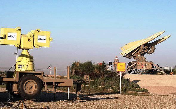 ईरानी वायु रक्षा सैनिकों ने अभ्यास पर वायु रक्षा मिसाइल प्रणाली और तोपखाने की युद्ध क्षमता का परीक्षण किया