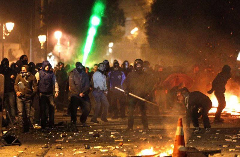 Греция: бессмысленная экономия и беспощадный бунт