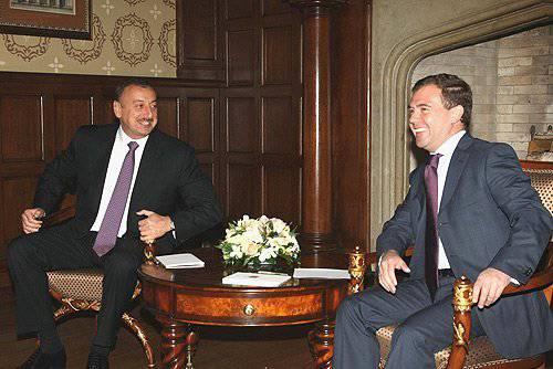 मल्टी-वेक्टर अज़रबैजान - रूस, ईरान, तुर्की और संयुक्त राज्य अमेरिका के बीच