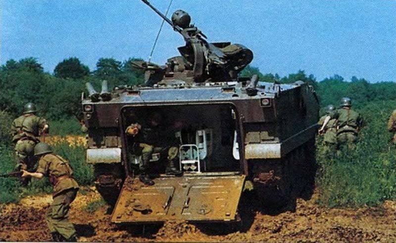 Piyade bölünmeleri için Fransız savaş aracı AMX-10Р