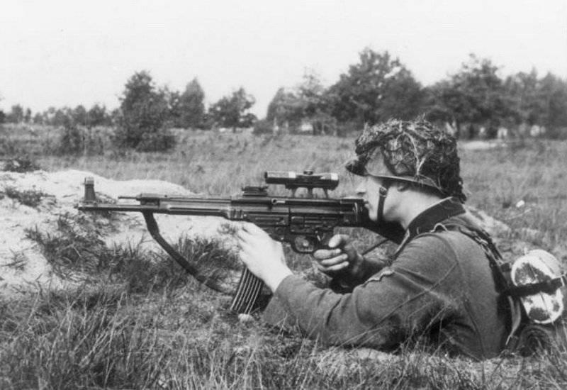 Arme miracle du Reich: fusil d'assaut StG 44 (canon incurvé et viseur infrarouge) 1332876248_stg44-1