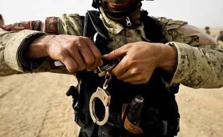 アフガニスタン国防省の建物でテロ行為が防止されています