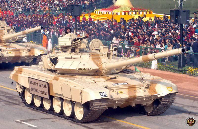 भारत में, टैंक T-90С का विश्व प्रीमियर